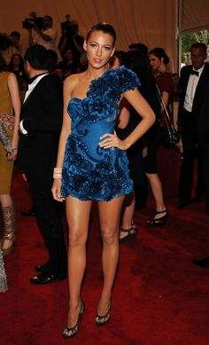 In May 2010, Lively hit the Met Gala in a ruffled cobalt blue Marchesa dress. Her sleek high braid was the ultimate accessory to her gorgeous look.