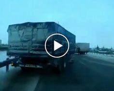 Condutor Acelera Ao Sair Da Garagem e Fica Pendurado Na Parede Do Prédio