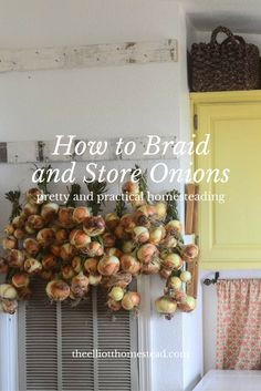 An easy tutorial on how to braid and store onions. Grow them now, preserve them properly, and enjoy them all through the winter months! Organic Gardening, Gardening Tips, Vegetable Gardening, Storing Onions, Organic Vegetables, Vegetables Garden, Veggies, Hobby Farms, Farm Gardens