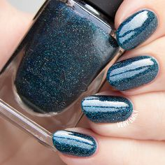 ILNP - Sweater Weather | ILNP Winter 2015 | November 20, 2015 | Sweater Weather is a gorgeously cool petrol blue holographic nail polish.   Not only is Sweater Weather precisely stuffed with holographic magic for the most perfect rainbow sparkle, it's also loaded with a vividly cool ice-blue twinkle for a finish that compliments the season perfectly.  Fully opaque in 2 to 3 coats!