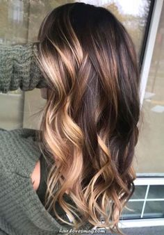 Amazing Brunette Balayage Hair Color Highlights in 2019 - Hair Styles Hair Color Highlights, Hair Color Balayage, Balayage Long Hair, Balayage Highlights, Spring Hairstyles, Pretty Hairstyles, Hairstyle Men, Formal Hairstyles, Beach Hairstyles
