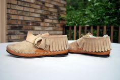 i've been looking for the right moccasins. i may have just found them.