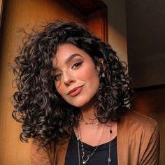 Curly Hair Tips, Curly Hair Care, Long Curly Hair, Wavy Hair, Layered Curly Hair, Natural Hair Styles, Short Hair Styles, Short Curly Haircuts, Aesthetic Hair