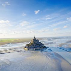 Le Mont Saint Michel as the birds see it!