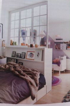 4 Räume in Skandinavische Raumfahrt Multitasks - Bolig Liv (Apartment Therapy Main) Small Space Bedroom, Small Space Living, Small Rooms, Small Apartments, Apartment Bedroom Decor, Bedroom Wall, Apartment Ideas, Apartment Therapy, Ikea Kitchen Design