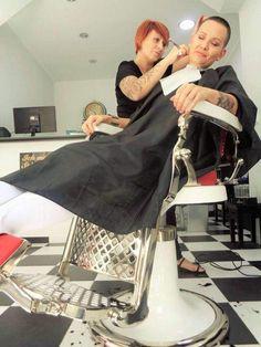 #hairdare #womenshair #beauty #hairstyles #shorthair #buzzcut #sexy #barbers411