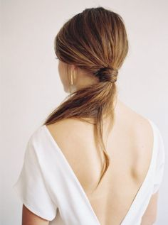 Simple modern bridal hair, elegant ponytail for wedding day Bridal Hair And Makeup, Bridal Beauty, Hair Makeup, Ponytail Bridal Hair, Wedding Beauty, Wedding Hairstyles For Long Hair, Bride Hairstyles, Hair Wedding, Wedding Rings