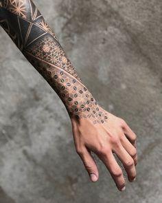 Legendary P I nitrogen - tattoo templates - .- Legendär P I Stickstoff – Tattoo vorlagen – Legendary P I nitrogen – tattoo templates – # templates - Hand Tattoos, Dot Tattoos, Forearm Sleeve Tattoos, Body Art Tattoos, Tattoo Art, Tattoo Abstract, Color Tattoo, Shoulder Tattoos, Arm Tattoo Men