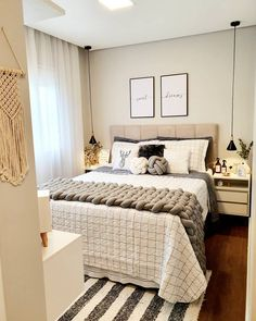 23 small bedroom ideas that are look stylishly & space saving 00016 Small Room Bedroom, Home Bedroom, Room Decor Bedroom, Living Room Decor, Bedroom Ideas, Bedrooms, Cute Room Decor, Teen Room Decor, Aesthetic Room Decor