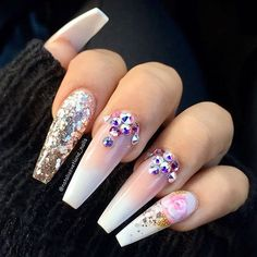 How beautiful are these re creation by @nataliasvetlana_nails  LOVE