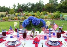 Summer Tablescape: Stars & Stripes – Everyday Living