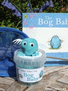 Kids love reading 'The Bog Baby' by Jeanne Willis and Gwen Millward, and they love making their own using a simple kit of home-made playdough and simple accessories. How Big Is Baby, Big Baby, Sleepover Food, Story Sack, Daisy Petals, Book Corners, Baby Drawing, Travel Toys, Baby Kit