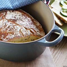 Eltefritt grytebrød med nigellafrø fra enestaaendemat.no Food Inspiration, French Toast, Eat, Breakfast, Morning Coffee