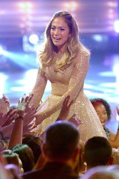 Pin for Later: Jennifer Lopez stahl den Kandidaten komplett die Show beim großen Finale von American Idol