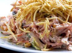 Receita de salada de frango com batata palha