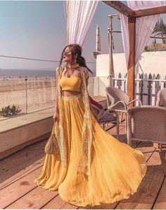 Buy Traditional Indian Clothing & Wedding Dresses for Women Indian Fashion Dresses, Indian Bridal Outfits, Indian Gowns Dresses, Indian Bridal Fashion, Dress Indian Style, Indian Designer Outfits, Pakistani Dresses, Indian Anarkali, 50 Fashion
