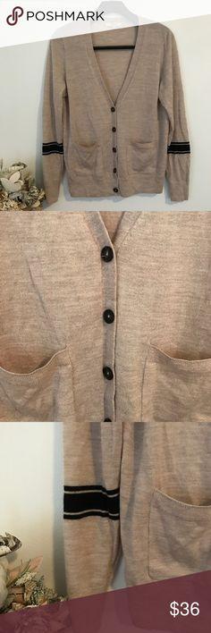 Madewell 100% Merino Wool Cardigan L GUC Smoke and pet free home. Bundle discount 20% Madewell Sweaters Cardigans