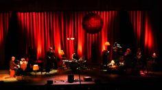 Concierto de Hugh Laurie and The Copper Bottom Band, Miercoles 11 de Junio de 2014, en el Teatro Diana de Guadalajara, México, el conocido actor que da vida ...