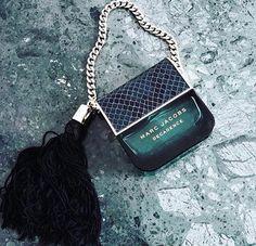 fashion, marc jacobs, and perfume image Hipster Vintage, Style Hipster, Marc Jacobs Perfume, Marc Jacobs Bag, Solid Perfume, Best Perfume, Vintage Design, Style Vintage, Vera Wang Perfume
