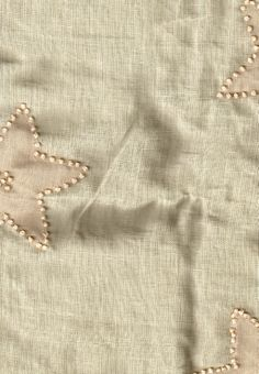 BIN 5 Linen with organza & French knot embellishment, 0.90 m x 117 cm, greenish beige