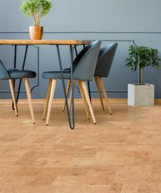 Floating Cork Floors - Leather Cork is a pattern that is famous. Leather has made a comeback since being produced as a floating cork floor. Best Flooring, Grey Flooring, Flooring Options, Hardwood Floors, Flooring Tiles, Cork Flooring Kitchen, Basement Flooring, Floor Preparation, Eco Friendly Flooring