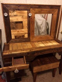 handmade makeup vanity - Google Search Pallet Bar Stools, Wooden Pallet Table, Pallet Dining Table, Pallet Lounge, Diy Pallet Sofa, Diy Outdoor Table, Pallet Walls, Wooden Pallet Furniture, Wooden Stools