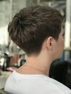 Short Hair Undercut, Undercut Hairstyles, Pixie Hairstyles, Cute Hairstyles, Crop Haircut, Pixie Haircut, Short Hair Older Women, Girl Short Hair, Badass Haircut