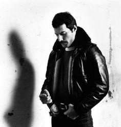 339d26801ff58 Freddie Mercury 1980 Bandas De Rock