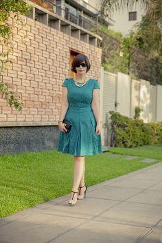 DIVINA EJECUTIVA: Mis Looks - El vestido Teal
