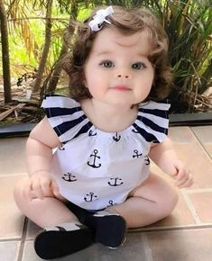 Cute Little Baby Girl, Very Cute Baby, Cute Kids Pics, Cute Baby Girl Pictures, Cute Babies Photography, Cute Baby Wallpaper, Cute Baby Videos, Baby Faces, Baby Girl Fashion