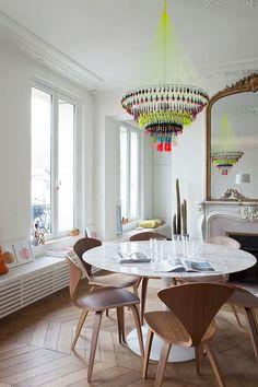 Un apartamento perfecto en París (y una araña flúor) · A perfect apartment in Paris (& a fluor chandelier)