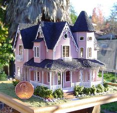 Lori's little house | by It's a miniature life...is playing with clay