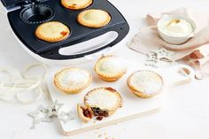 Pie maker fruit mince pies - Use your pie-maker for a sweet reason this Christmas with our easy recipe for fruit mince pies. Fruit Mince Pies, Easy Dinners For Kids, Savory Muffins, Savoury Pies, Cheesecake Swirl Brownies, Just Pies, Fairy Bread, Pie Recipes, Turnover Recipes