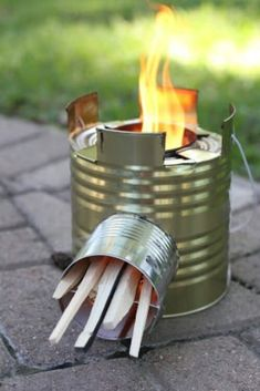 Here are 50incredible tin can recycling projects that will blow your mind! I can't wait to try these projects for myself, and I know you'll be just as excited to do some of these yourself! #diy #upcycle #recycle #tincans #crafts #ecofriendly Upcycled Crafts, Diy Crafts, Handmade Crafts, Handmade Rugs, Snowman Hat, Diy Snowman, Snowman Wreath, Christmas Snowman, Snowman Door