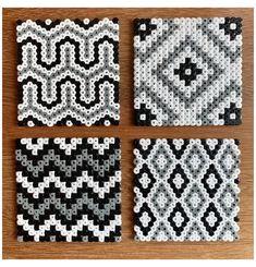 Hama Beads Coasters, Diy Perler Beads, Perler Bead Art, Pearler Beads, Fuse Beads, Hama Coaster, Easy Perler Bead Patterns, Melty Bead Patterns, Perler Bead Templates