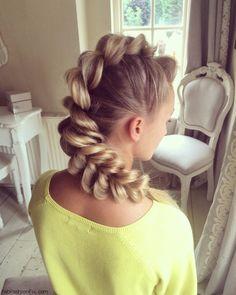Mohawk inspired pull-through braid. #braid #braided #mohawk