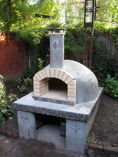 Oven with Stucco, Brown Coat (still needs a finish coat, with color)
