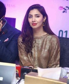 Mahira Khan HD pics  Mahira Khan hot photos Mahira Khan Photos, Pakistan Movie, Best Actress Award, Pakistani Actress, Dress Suits, Indian Designer Wear, Celebs, Celebrities, Pakistani Dresses