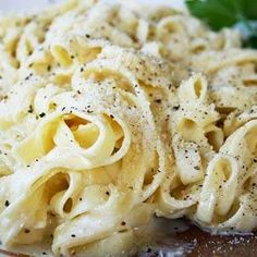 Alfredo Sauce - Recipes, Dinner Ideas, Healthy Recipes & Food Guide. Made it {ler} pretty good.  Added 1tbsp of butter
