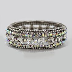 A single bangle to add a hit of #bling #jewlery #RissyRoosProm