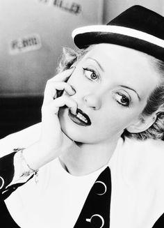 "msmildred: Bette Davis en ""Front Page Woman"", 1935."