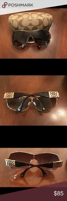 🌞Coach🌞Woman's Sunglasses Excellent Condition Coach Sunglasses with Case No Negotiations will be done outside of Poshmark I Welcome Reasonable Offers Coach Accessories Sunglasses