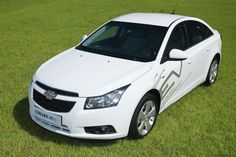 General Motors Corp. said yesterday announced a pilot project to study the market needs and reactions of potential buyers of electric vehicles in Korea.   The project includes a fleet of electric cars based on the successful Chevrolet Cruze - in .