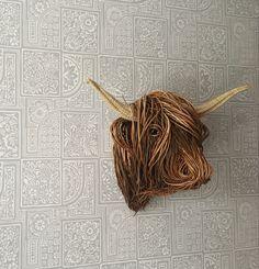 Willow Sculpture Willow Weaving, Basket Weaving, Animal Sculptures, Wall Sculptures, Twig Art, Traditional Baskets, Weaving Techniques, Wood Art, Bob