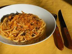 Vegán Receptek : Vegán Milánói Vegan Recipes, Vegan Food, Spaghetti, Ethnic Recipes, Veggie Food, Vegane Rezepte, Vegan Meals, Noodle, Vegetarian Food