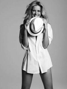 Photography Women, Boudoir Photography, Fashion Photography, Classic White Shirt, Photo Portrait, Boyfriend Shirt, Laura Lee, White Shirts, Madame