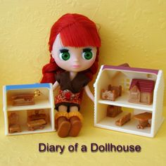 LPS Blythe has new tiny dollhouses from Calico Critters.