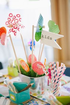 Make a colorful and bright kids table! Sweets, crayons