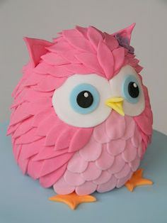 Diy Pinata Discover Love this cute pink owl cake. Just call me Martha Cupcakes, Cupcake Cakes, Fruit Cakes, Owl Cake Toppers, Owl Cakes, Ladybug Cakes, Animal Cakes, Pink Owl, Fondant Cakes