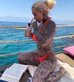 Hot Tattoo Girls, Sexy Tattoos For Girls, Tattoed Girls, Inked Girls, Hot Tattoos, Girl Tattoos, Body Art Tattoos, Tatoos, Tattoo Photo